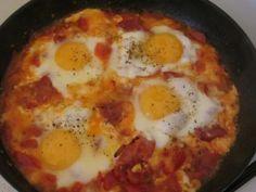 oeuf, tomate, ail, chorizo, huile d'olive