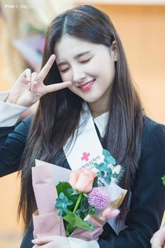 Aenan on Promotion of Ambassador to the Korean Red Cross. Nancy Jewel Mcdonie, Nancy Momoland, Cute Beauty, Beauty Full Girl, Cute Girl Poses, Cute Girls, Lovely Eyes, Beautiful, Korean Beauty Girls