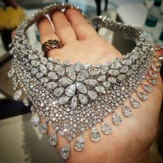 Need Help Choosing The Right Jewelry? Check Out These Tips – Modern Jewelry Mode Glamour, Luxury Jewelry, Sterling Silver Jewelry, Silver Ring, Silver Earrings, Gold Ring, Silver Jewellery, Silver Bracelets, Indian Jewelry