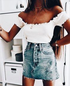 New dress outfits summer denim ideas Denim Skirt Outfits, Summer Dress Outfits, Denim Outfit, Spring Outfits, Trendy Outfits, Cute Outfits, Denim Skirt Outfit Summer, Denim Skirts, Fashion Week