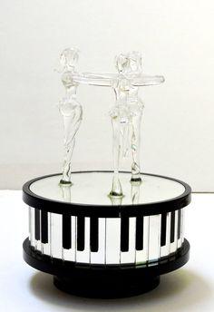 Vintage Musical Glass Figurine Three BallerinaPlays by QVintage Music Boxes, Glass Figurines, Vintage Music, Christmas Gifts, Holiday, Ballerina, Birthday Gifts, Mirror, Beautiful