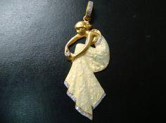 Art Nouveau style stunning 18k gold  Enamel and diamond pendant