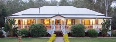 Traditional Queensland home with large wrap around verandahs to keep the home cool in summer by Garth Chapman #Homes Queenslanderhomes #Australianhomes