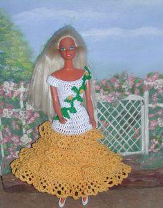 Crochet Fashion Doll Barbie  Pattern- #421 CHANGE ABOUTS BOOKLET
