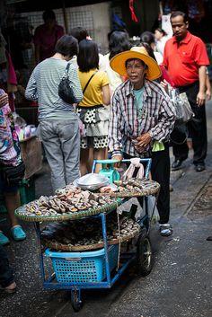 street food vendor, Silom Street, Bangkok, Thailand.  Photo: seua_yai, via Flickr