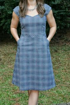 where is my instruction manual.: a fall Cambie Dress by Sewaholic Patterns Fall Dresses, Cotton Dresses, Casual Dresses, Fashion Dresses, Casual Outfits, Dress Sewing Patterns, Clothing Patterns, Baby Frocks Designs, Modest Outfits
