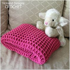 This gorgeous baby blanket is super plush, yet lightweight. The perfect texture and softness make this blanket ideal for any little baby's naptime. Perfect for any little boy or girl, it's the perfect gender neutral design and makes a perfect baby shower gift for an expectant mom.