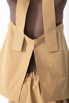 Sofie D'Hoore Beach Top in Cinnamon Look Fashion, Fashion Details, Diy Fashion, Fashion Outfits, Womens Fashion, Fashion Design, Beach Fashion, Looks Jeans, Beach Tops