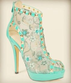 18 Cute High Heels Inspirations To Complete Your Girly Style - Be Modish - Be Modish . Oh goodness- I need these shoes! Heel Pumps, Stiletto Heels, Platform Pumps, Pretty Shoes, Beautiful Shoes, Zapatos Shoes, Shoes Heels, Teal Heels, Dress Shoes