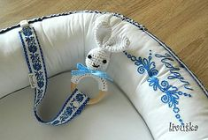 livushka / Hniezdo pre bábätko - Vyšívané Baby Nest, Pillows, Embroidery, Needlepoint, Cushions, Pillow Forms, Cushion, Scatter Cushions, Crewel Embroidery