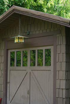 Craftsman-style garage
