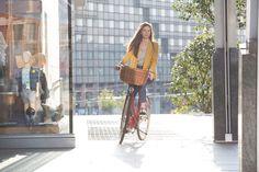 #altrabajoenbici con Velo-ce  www.avantum.bike/veloce Louis Vuitton Neverfull, Autumn Fashion, Bike, Tote Bag, Bicycle Accessories, Veils, Urban, Bicycle, Louis Vuitton Neverfull Damier