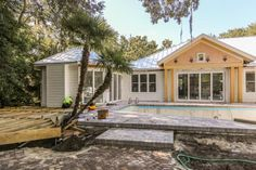 Take a behind-the-scenes glance at HGTV Dream Home 2017 as it undergoes a complete makeover in St. Simons Island, Georgia.