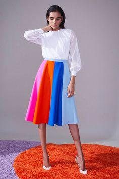 Novis Fall 2018 Ready-to-Wear Fashion Show Collection Fashion News, Fashion Outfits, Autumn Fashion 2018, Fashion Details, Fashion Design, Fashion Show Collection, Colorful Fashion, Fashion Pictures, Parisian Style