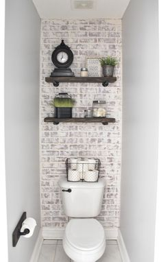 This unique photo is honestly an amazing style principle. This unique photo is honestly an amazing style principle. Small Bathroom Wallpaper, Bathroom Accent Wall, Bathroom Accents, Master Bathroom, Master Room, Shiplap Bathroom Wall, Dyi Bathroom, Bathroom Showers, Bathroom Designs