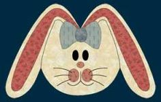 Bunny Placemat | Kids love seasonal placemats and this Easter bunny is sure to delight. Change the color of the bow for each kid in the house and/or embroider their name on it for a speacial touch!