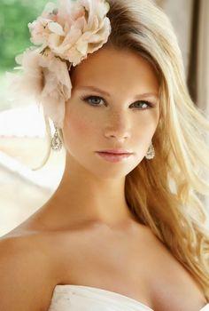 Lindo penteado para noiva.