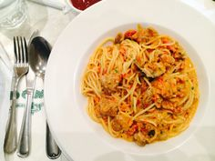 Spicy pasta with chicken and mushroom.
