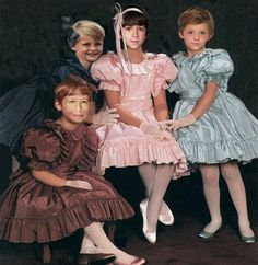 Prim and Very Proper. Boys Wearing Skirts, Feminized Boys, Smock Dress, Pretty Boys, Crossdressers, Pretty Dresses, Little Boys, Boy Or Girl, Kids Fashion