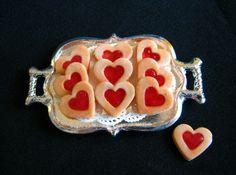 Heart Tarts Check out: missdollhouse.com Linzer Tart Cookies