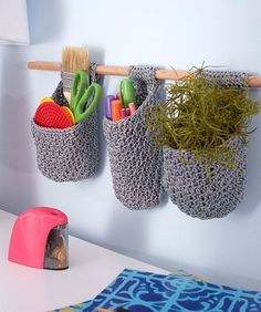 Crazy Cool Hanging Crochet Baskets on a Dowel: FREE crochet pattern for you!