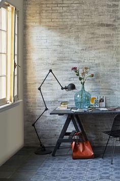Espacio de trabajo en casa [Foto: Dennis Brandsma.] • Vintage workplace at home