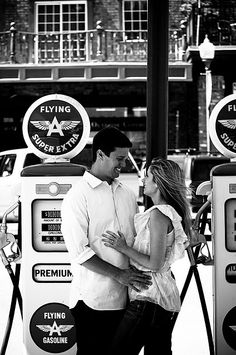 don't you just love those old gas pumps in the background?