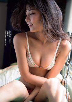 【画像】石川恋ちゃんが週プレで晒した手ぶら写真がokazu過ぎると話題に!!0030manshu
