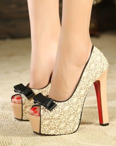 High with crude knot with butterflies round shallow mouth fish mouth single shoes Wonder Woman Nails, Cute Heels, Funky Fashion, Platform High Heels, Pretty Shoes, Shoes Sandals, Lace Shoes, Shoe Collection, Over The Knee Boots