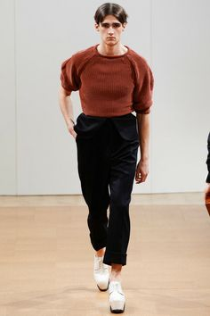 J.W. Anderson   Fall 2014  Puff sleeve sweaters
