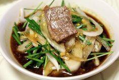 고깃집에서 고기에 같이 먹을 수 있는 그 특유의 맛있는 양파소스 만드는 법을 공개합니다! 정말 쉬워요~^^... Korean Side Dishes, K Food, Food Menu, Food Design, Easy Cooking, Cooking Recipes, Asian Recipes, Healthy Recipes, Homemade Ramen