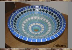 Cuba, Diy Bird Bath, Bowl Sink, Plates And Bowls, Mosaic Glass, Serving Bowls, Decorative Bowls, Coasters, Projects To Try