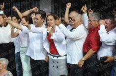 A ritmo de banda celebran priistas registro de candidatos
