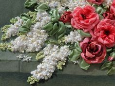Gallery.ru / Розы с белой сиренью - Вышивка лентами часть 3 - silkfantasy