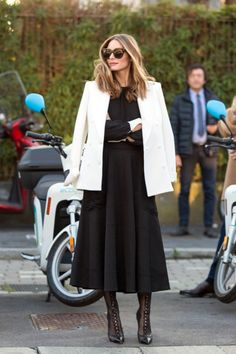 Discover some of our favorite looks from icon, Olivia Palermo, and be inspired for your next Look Olivia Palermo, Olivia Palermo Street Style, Olivia Palermo Outfit, Estilo Olivia Palermo, Olivia Palermo Lookbook, Olivia Palermo Winter Style, Cool Street Fashion, Look Fashion, Timeless Fashion