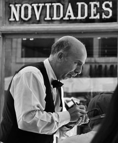 Lisbon Portugal  Waiter in Benard pastry  #thephotosociety #blackandwhite #blackandwhiteisworththefight #lensculture #nikonphotography by ajpascoal