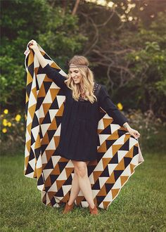 Happy Habitat Triangle Throw in Gold/Black