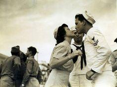 Pucker up in Panama City, 1940's.