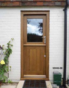 Beautiful dutch door with screen on top to inspire you Half Doors, Windows And Doors, Dutch Door Interior, Porch Extension, Cottage Door, External Doors, Traditional Doors, Kitchen Doors, Room Doors