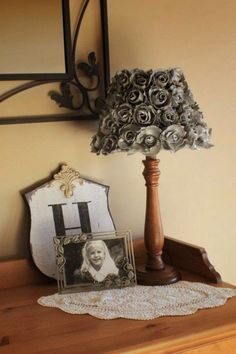 Egg cartons aren't something i used to think about. But when i search something about them on the net, i found very interesting decorating ideas. After you