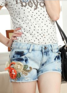 New Style Flower Pearl Embellished Shorts