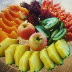 Breakfast of fruits!