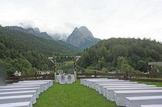 Hochzeit auf der Bergwiese - Rosamunde Pilcher inspirierte Sommerhochzeit in Pfirsich, Apricot, Pastelltöne - Heiraten in Garmisch-Partenkirchen, Bayern, Riessersee Hotel, Seehaus am Riessersee - Hochzeit am See in den Bergen - Peach and Pastell wedding