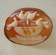 Large Victorian Carved Shell Cameo 9k Gold Brooch - Doves of Pliny