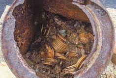 This image provided by the Saddle Ridge Hoard discoverers via Kagin's, Inc., shows one of the six decaying metal canisters filled with U. gold coins unearthed in California by two people who want to remain anonymous. Waterproof Metal Detector, Metal Detecting Finds, Whites Metal Detectors, O Portal, Buried Treasure, Treasure Hunting, Finding Treasure, Finders Keepers, Hidden Treasures