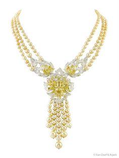http://haben-sie-das-gewusst.blogspot.com/2012/08/alten-schmuck-zu-geld-machen-versteckte.html  Van Cleef & Arpels golden pearls and canary diamonds