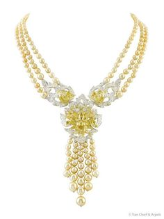 Van Cleef & Arpels golden pearls and canary diamonds