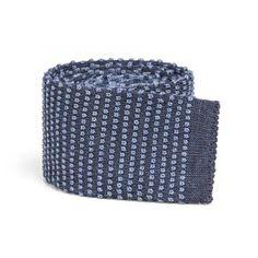 SOLOiO Knit Tie  Shop on line www.soloio.com #SOLOiO #SOLOiODisegnoItaliano #Tie #corbata #cravatta #maglia #knitted #punto #wool #lana #menstyle #mentrends #trendy #menfashion #shoponline #blue
