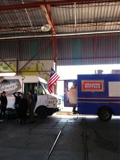 setting up for food truck eats