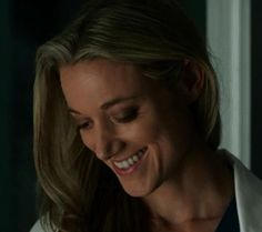 #ThatSmileThough *thud* #LostGirl #LaurenLewis Also: a little #HolyHairPorn and #HolyNeckPorn Oh boy, I missed this!